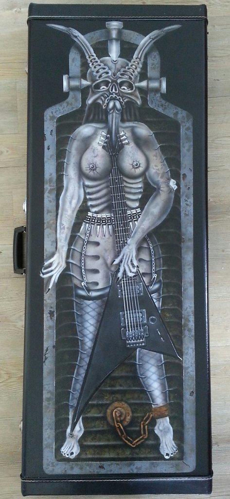 guitarcase-zombiebitch001.jpg