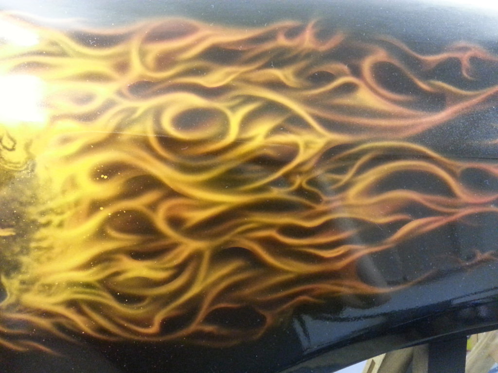 burning-skull-on-fender-003.jpg